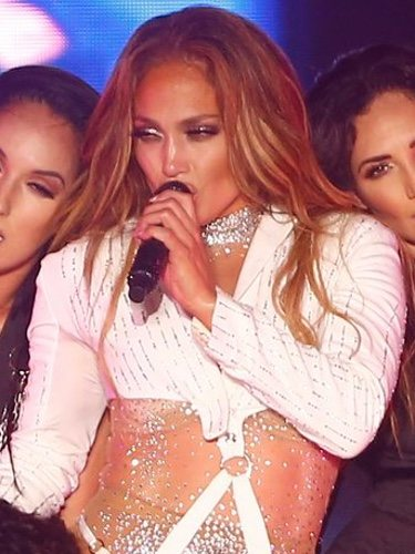 Jennifer Lopez with an out fashion outfit at her concert in Egypt