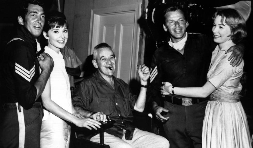 Dean Martin, Audrey Hepburn, William Wyler, Frank Sinatra and Shirley MacLaine on the set of 'The Infamous Lie' 1961.