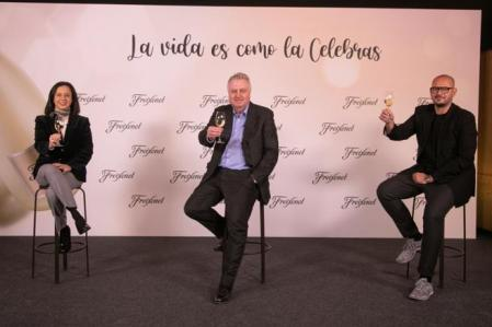 Open plan for the presentation of the Freixenet Christmas campaign with the Director of Marketing in Spain, Gabriela Rivieccio, the CEO of the company, Pere Ferrer, and the Creative Director of Havas, Jesús Lada.  Image of December 3, 2020 (horizontal)