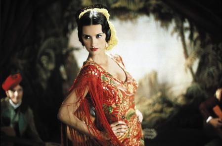 Penélope Cruz in 'The girl of your eyes', one of the many Spanish films dressed by Cornejo