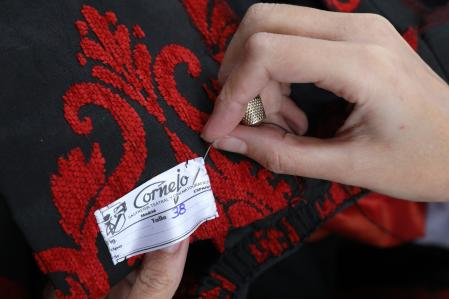 Detail of the making of a dress for the character Isabel la Católica in the Puy du Fou theme park
