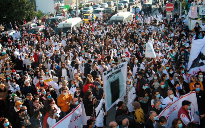 During a demonstration by caregivers demanding the resignation of the Tunisian Minister of Health, December 8, 2020, in Tunis.