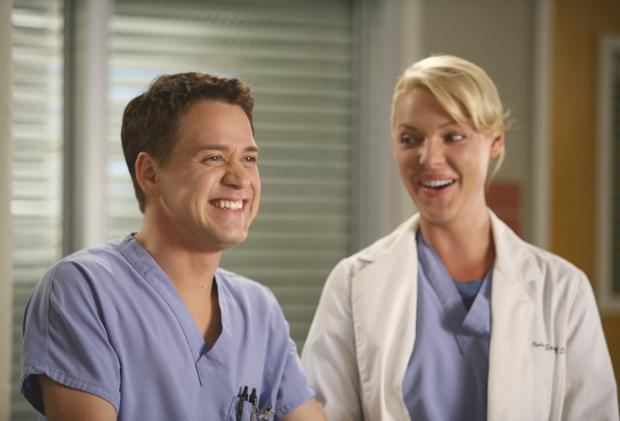 """George and Izzie's relationship was one of the strangest in """"Grey's Anatomy"""" (Photo: ABC)"""