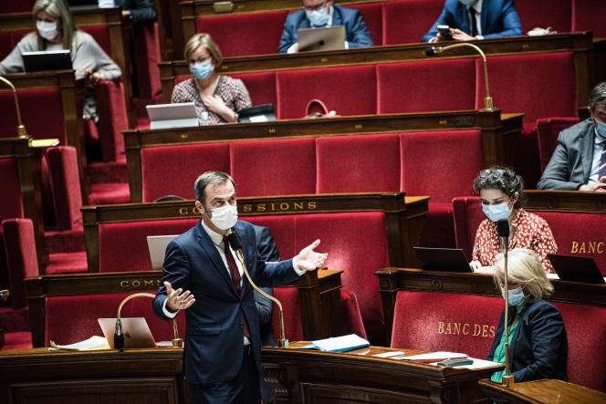 The Minister of Solidarity and Health, Olivier Véran, speaks at the National Assembly on July 21, 2021.